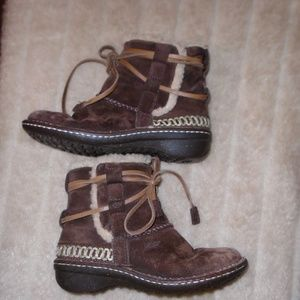 UGG COVE TRIBAL BOOTS ~ 6 ~